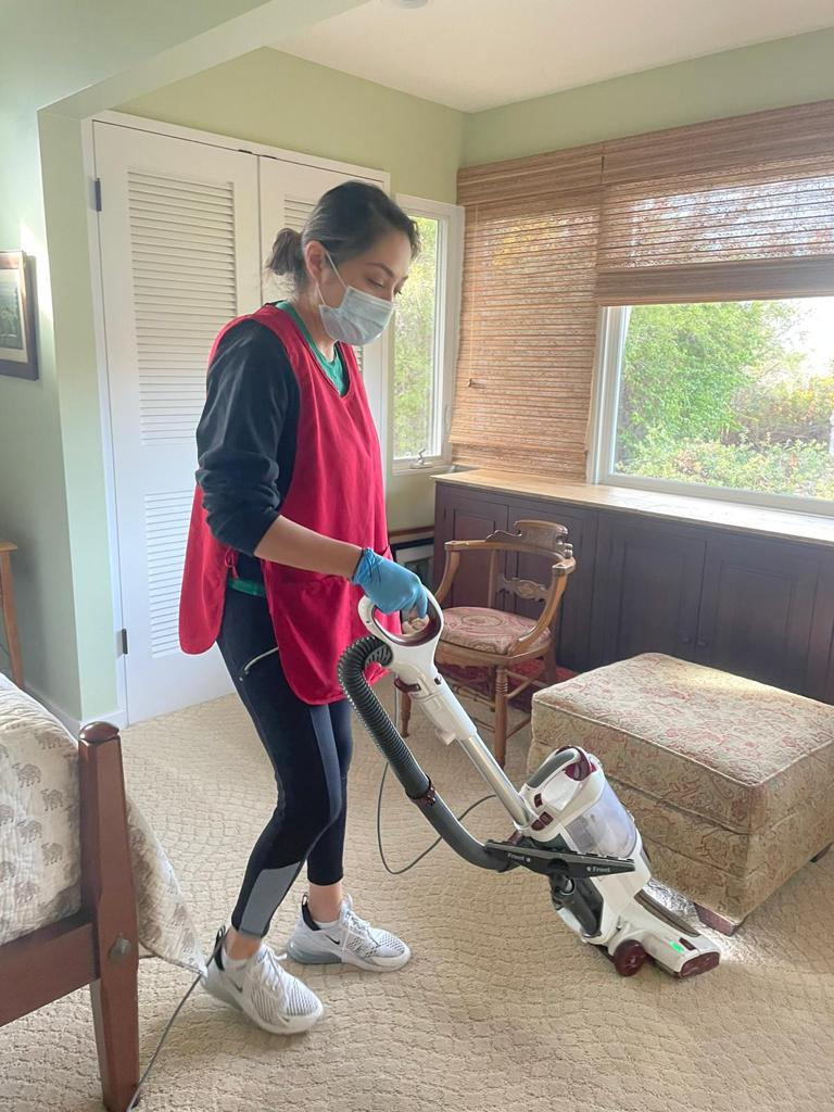 House Cleaner: Maid Service and Housekeeping Service